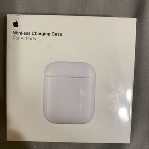 AUTHENTIC AirPods charging case